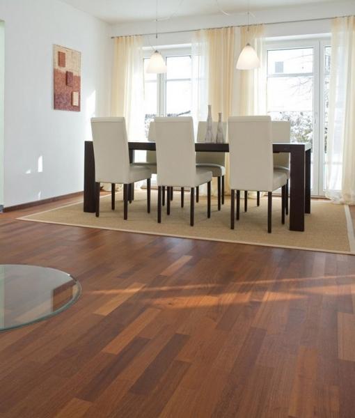 Parquet teak pavimenti legno teak posa incollata - Levigare il parquet senza togliere i mobili ...