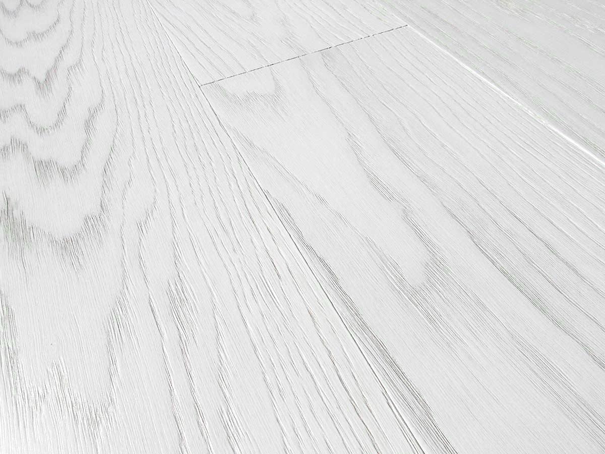 Legno Bianco Sbiancato : Come si sbianca una trave in legno per mantenere le sue venature